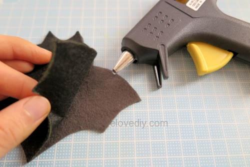 DIY 萬聖節嚇人的應景毛氈不織布蝙蝠造型杯墊 (1)