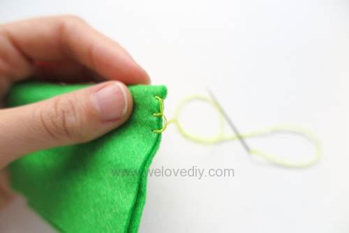 DIY 毛毯邊鎖縫針手作基礎教學 (6)