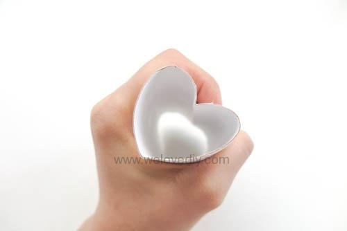 DIY 情人節廢物利用衛生紙捲軸做愛心印章 (3)