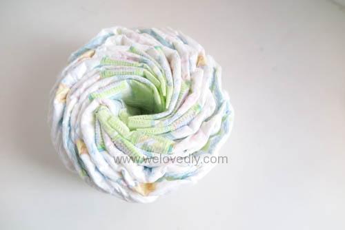 DIY Diaper Cake 手作尿布蛋糕彌月禮 探新生兒孕婦禮物 (2)