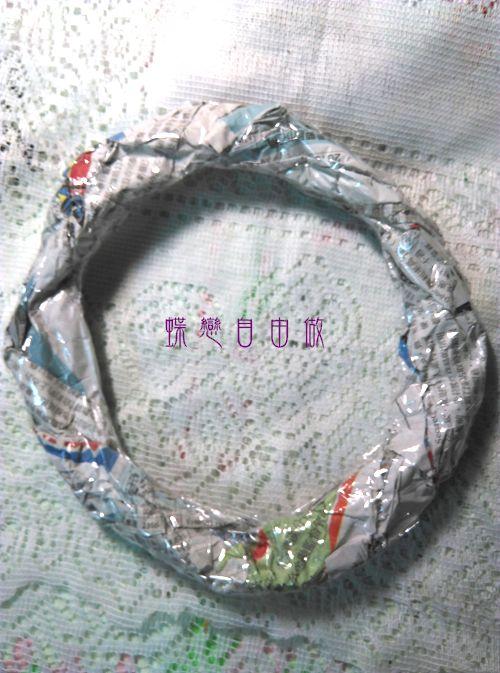 DIY 耶誕節手作聖誕花圈 (4)