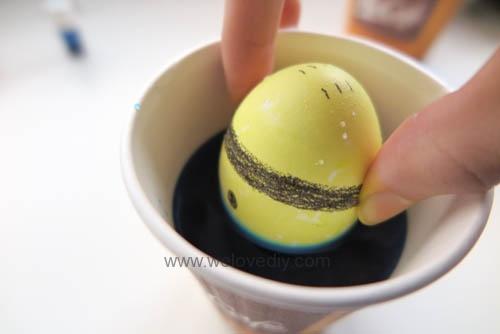 DIY Minions Easter Eggs 復活節小小兵蠟筆染色彩蛋 (8)